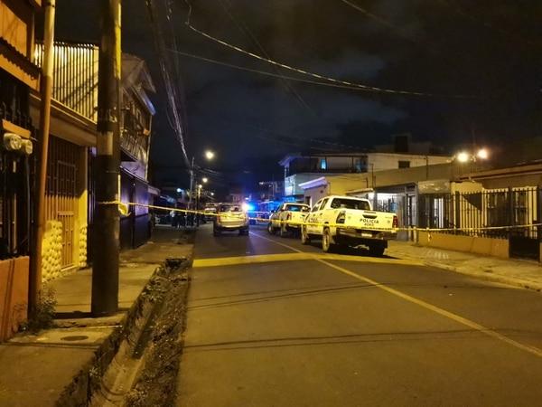 La Fuerza Pública despachó varias unidades para atender la situación. Foto: cortesía de Luis Manuel Madrigal