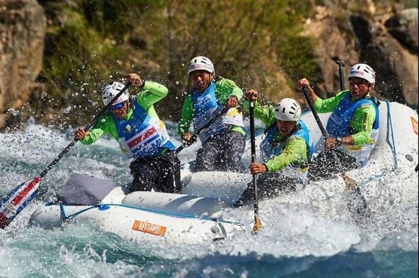 Costa Rica logró el cuarto lugar en el Mundial de Rafting en Argentina. El equipo nacional lo conformaron Alejandro Contreras, un experimentado guía, junto a Daniel Anchía, Stanley Esquivel, Mauricio Arce y Leonardo Vásquez. Cortesía: Alejandro Contreras