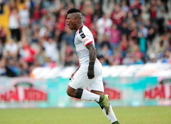 Cummings celebró con euforia su primer gol en el país. | JOHN DURÁN