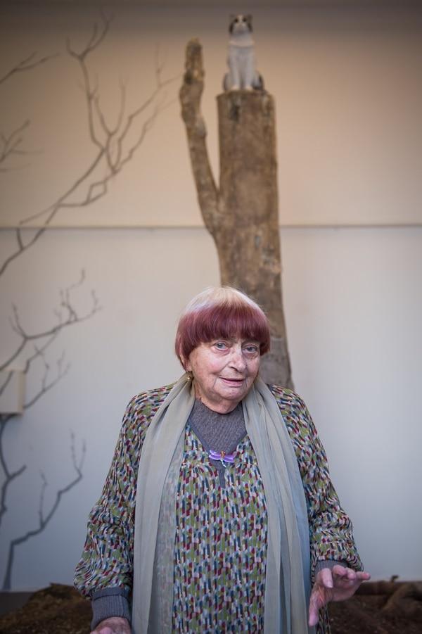 El 23 de marzo, la artista posó junto a su instalación