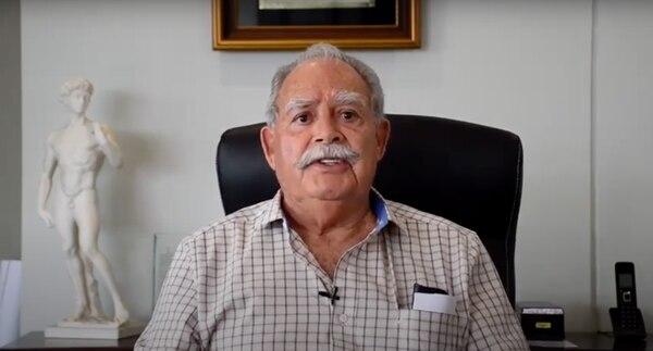 Servio Vinicio Flores Cacho tiene 80 años y es costarricense por naturalización. Dice que es de México, pero alajuelense de corazón. Foto: Captura de pantalla