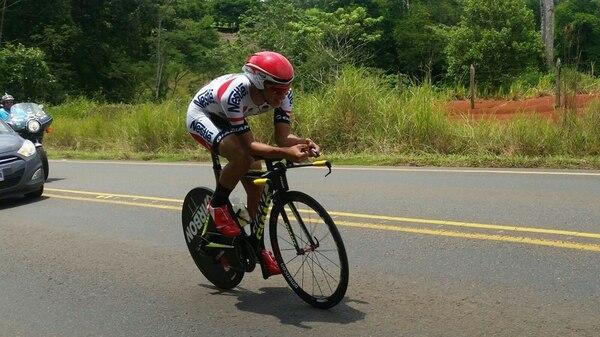 Román Villalobos se impuso en la contrarreloj de la Vuelta a San Carlos.