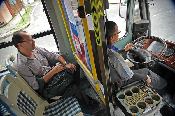 El chofer de la línea entre Escazú y La Uruca, Arnoldo Guevara, tendrá un cambio en la ruta de trabajo. | ALBERT MARÍN