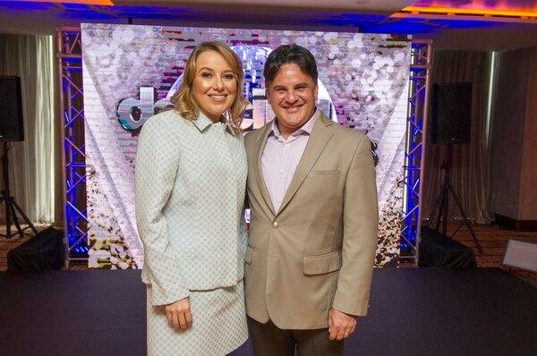 Paula Picado y Mario Nájera durante la presentación, el año pasado, de la tercera temporada de la célebre competencia de baile 'Dancing with the Stars'.