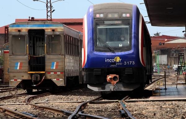 Los trenes miden 30 metros de largo y tienen cuatro accesos de cada lado. Su capacidad total es de 376 pasajeros. Foto: Alonso Tenorio.