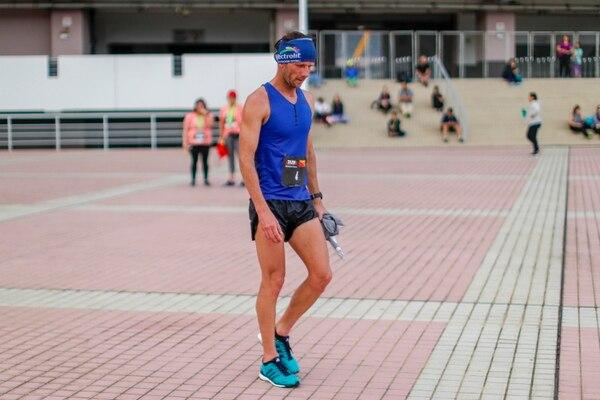 Leonardo Chacón tras la carrera KRUN Under Armour, el año pasado. Fotografía José Cordero