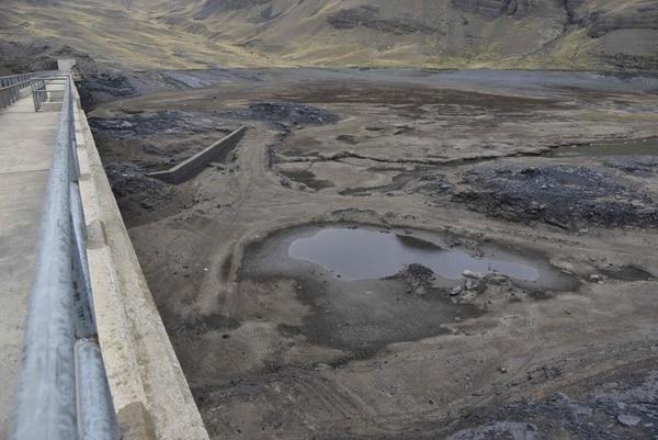 El reservorio de Ajuankota, que provee agua a La Paz, está apenas a 1% de su capacidad.