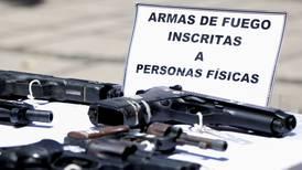 Posesión ilegal de armas conllevará hasta 8 años de cárcel: Carlos Alvarado firma nueva ley