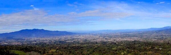 Foto de la GAM, donde el crecimiento urbano es notorio. Según informes del Estado a la Nación , entre 2010 y 2018 en Costa Rica se construyeron cerca de 26,7 millones de metros cuadrados, el 59,4% de ellos dentro de la GAM. Foto: Rafael Pacheco