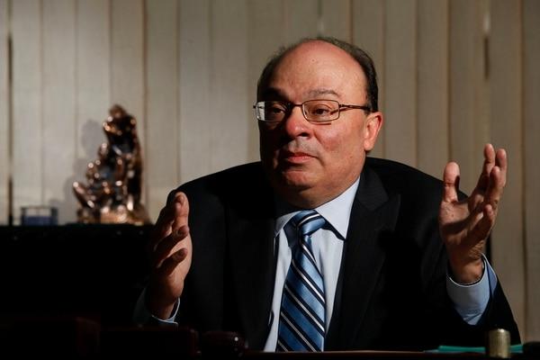 Rodrigo Bolaños, presidente del Banco Central, hará el anuncio hoy junto al ministro de Hacienda, Édgar Ayales.