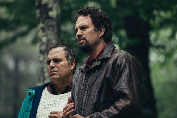 El actor Mark Ruffalo interpreta a los gemelos Dominick y Thomas Birdsey, quienes padecen de trastornos mentales. Fotografía: HBO para La Nación