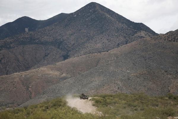 Agentes de la Guardia Nacional patrullaban cerca de Bavispe, en la frontera entre los estados mexicanos de Sonora y Chihuahua, este miércoles 6 de noviembre del 2019.