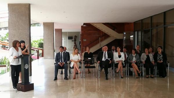 Ministra Edna Camacho introdujo las medidas administrativas para reactivar la economía. Foto: Sofía Chinchilla.
