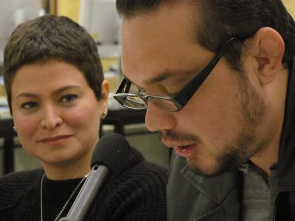 Discusión. La salvadoreña Vanessa Núñez Handal y el costarricense Warren Ulloa Argüello ofrecieron una charla en el Instituto Iberoamericano de Berlín junto con la autora Denise Phé-Funchal y el editor Lutz Kliche.