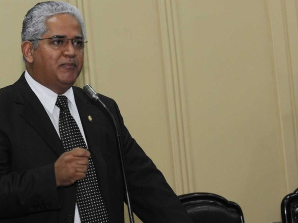 El diputado Alfonso Pérez, del PLN, espera la votación hoy. | ARCHIVO.