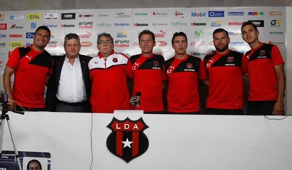 Guilherme Farinha tendrá como equipo de trabajo a Cristian Oviedo, Wílmer López, Pablo Izaguirre, Johan Salas y Wardy Alfaro.