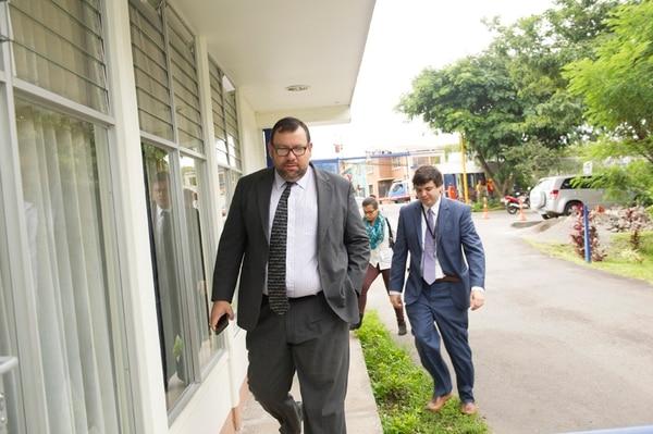 El viceministro de Presidencia, Luis Paulino Mora, dijo que debe conversar con la oposición para fijar el trámite de empleo público.   ARCHIVO.