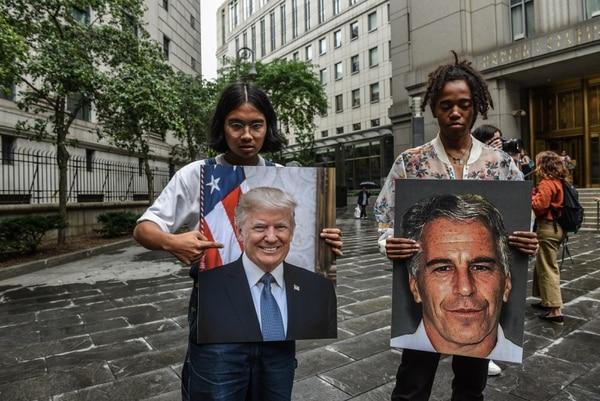 Las protestas por el caso Epstein y su vínculo con Trump no se han hecho esperar, sobre todo en Nueva York. Foto: AFP