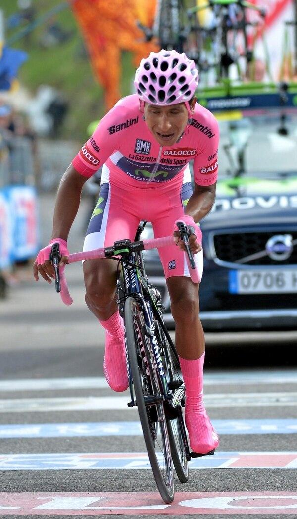 El ciclista colombiano Nairo Quintana, a poco de la meta de la etapa 19 del Giro de Italia.