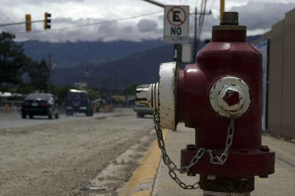 Está pendiente más de 10.000 hidrantes en todo el país.