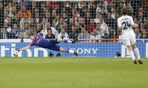 Iker Casillas acumuló 517 minutos sin recibir gol.