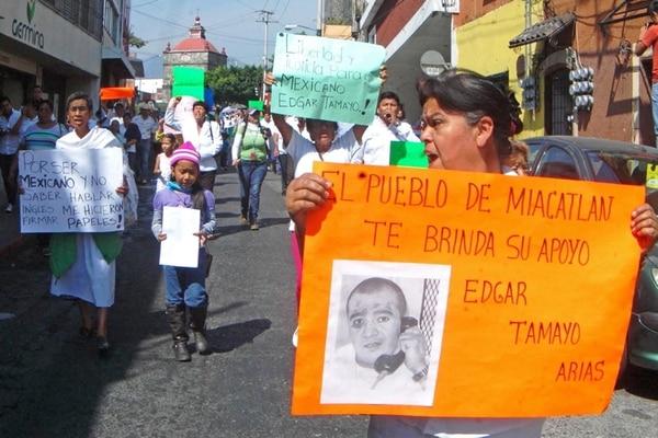 Habitantes del municipio mexicano de Miacatlán marcharon el martes en solidaridad con Édgar Tamayo Arias, un día antes de que fuera ejecutado ayer en Texas, EE. UU., tras 20 años detenido.   GDA/EL UNIVERSAL, MÉXICO.