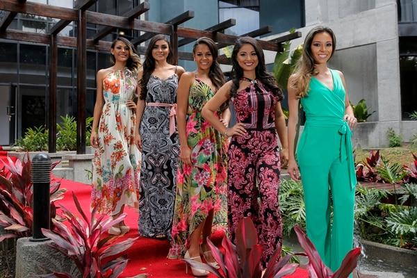 Dayana, Glenda Alvarez, Chonta, Emily y Paola (de izq. a der.), aspiran al certamen del Señorita Verano. Mayela López.
