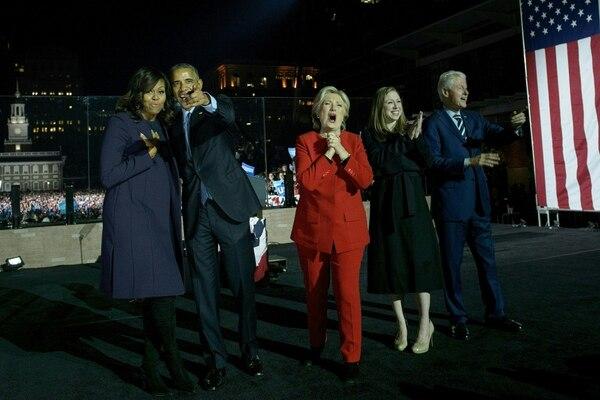 Barack Obama acompañó a Hillary Clinton en un acto en Filadelfia.
