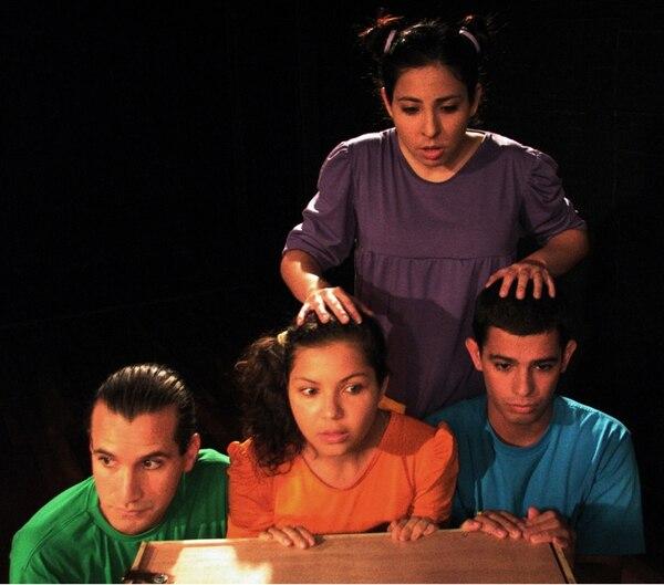 Elenco. Rebeca Varela, Karina Castillo y Antony Bolaños son tres de los protagonistas de la obra. Marcela Araya/LN