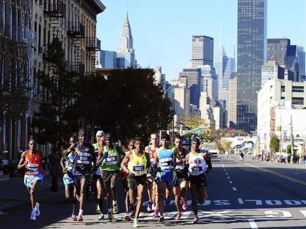 La gráfica corresponde a la maratón de Nueva York que se disputó en el 2010. Dicha competencia es la más concurrida del mundo. | ARCHIVO