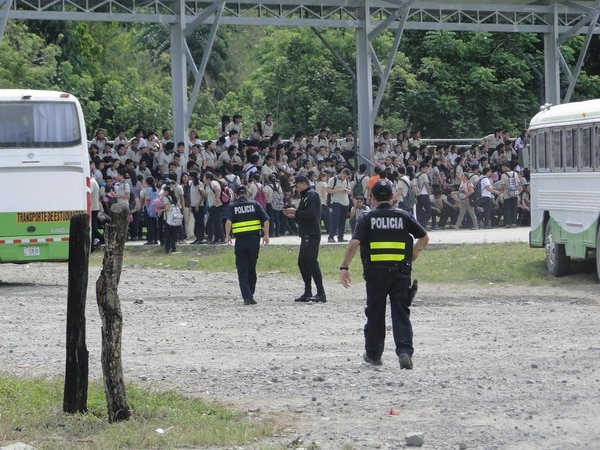 Los estudiantes fueron evacuados pasadas las 9 a.m.
