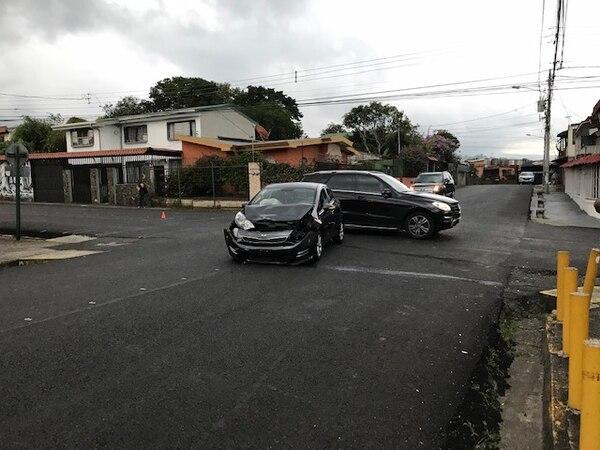 Uno de los accidentes en la esquina de Curridabat 200 metros al sur del restaurante Fresas. Foto proporcionada por William Venegas.