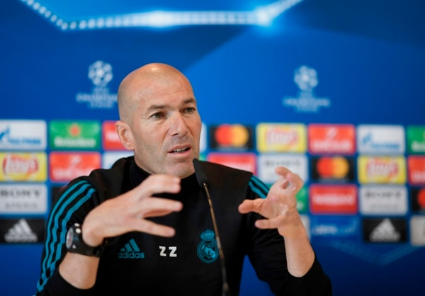 Real Madrid's French coach Zinedine Zidane gives a press conference during Real Madrid's Media Open Day ahead of their UEFA Champions league final footbal match against Liverpool FC, in Madrid on May 22, 2018. / AFP PHOTO / GABRIEL BOUYS