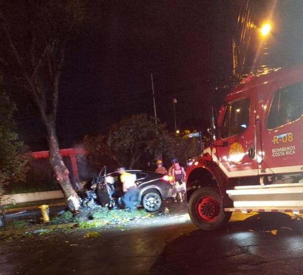 Un joven falleció y tres resultaron heridos en un accidente de tránsito registrado en Rohrmoser. Foto: Cortesía de Pegando Porte