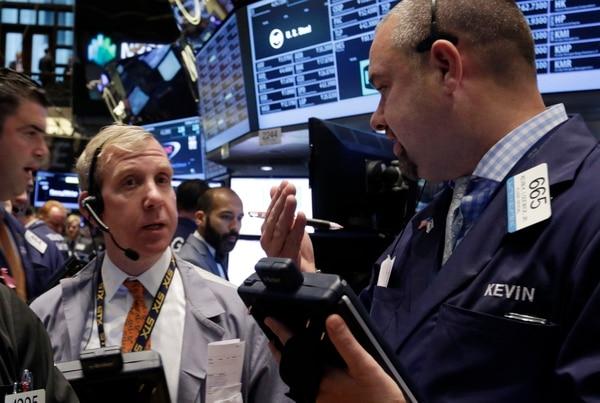 Wall Street cerró este jueves con números en rojo.