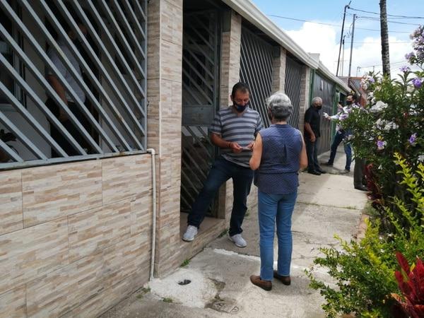 Varios vecinos compartieron con la familia Delgado Segura. Foto: Keyna Calderón, corresponsal GN