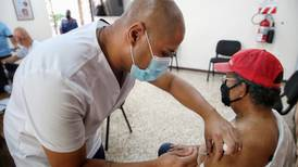 13 áreas de salud registran mayor rezago en vacunación contra covid-19