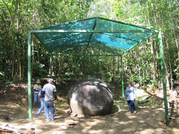 Colocan techo para proteger esfera de El Silencio