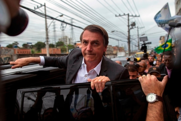 Jair Bolsonaro, candidato presidencial brasileño, estuvo en el mercado de Madureira, en Río de Janeiro, el lunes 27 de agosto del 2018.