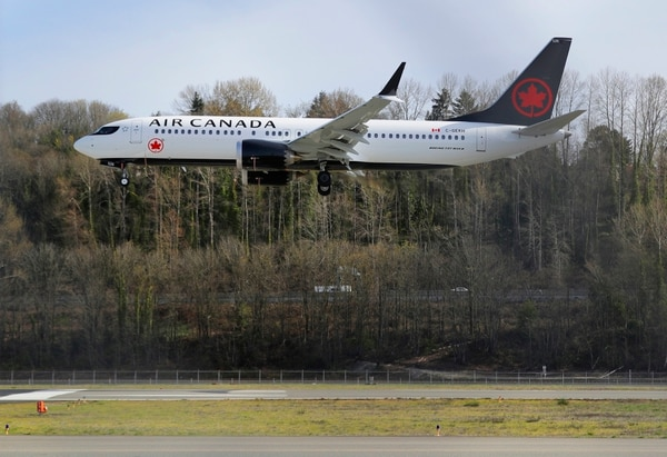 Air Canada es la primera aerolínea canadiense, tiene su sede en Montreal desde 1949 y, cuenta con 36.000 empleados en todo el mundo y transportó a más de 10 millones de pasajeros desde Montreal en 2018, según Air Canada. Foto: AP/Ted S. Warren.