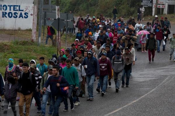 Hondureños llegaron a la frontera de Guatemala el 16 de enero del 2019. (Foto: AP)