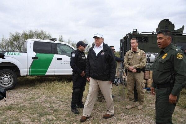 Donald Trumpo durante una visita que realizó el pasado 10 de enero a la frontera con México.
