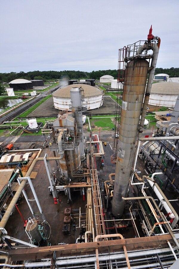 Soresco tiene 24 trabajadores en el proyecto de la refinería. | ARCHIVO