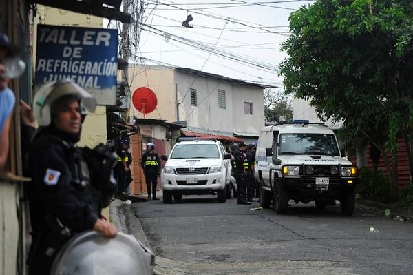 El movimiento policial fue amplio en la zona.   RAFAEL MURILLO
