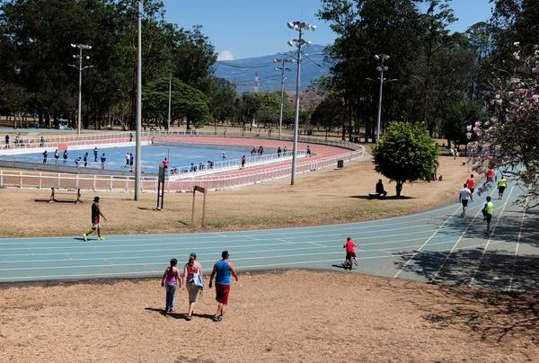 El Parque Metropolitano La Sabana es un espacio para hacer ejercicio al aire libre que aprovechan los habitantes del área metropolitana. Fotografía: John Durán