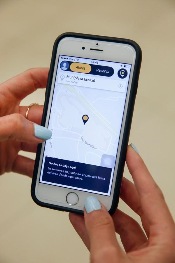 Los usuarios ya pueden descargar la aplicación de Cabify en sus celulares y navegar por diferentes ubicaciones en Costa Rica. | ADRIÁN SOTO