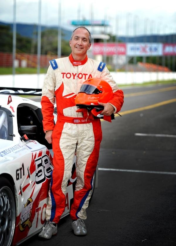 Amadeo Quirós, empresario y piloto, ha destacado dentro y fuera del país por correr en las categorías mayores de Gran Turismo.   ARCHIVO