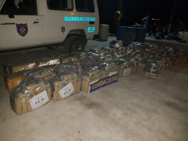 La carga de 1.231 kilos de marihuana fue decomisada el 12 de abril del 2017, en un operativo conjunto en el mar Caribe. Foto archivo de LN.