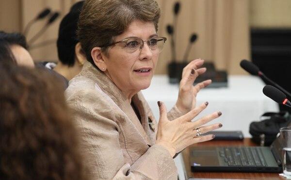 27/06/2018. San Jose. Comparecencia de la contralora, Marta Acosta, en la Comisión de Reforma Fiscal. Fotografia: Graciela Solis