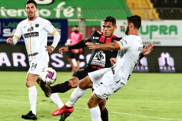 Jurguens Montenegro ha sido titular en los últimos tres partidos de Alajuelense. Fotografía: Alonso Tenorio